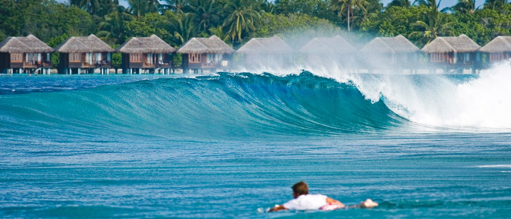 trip surf maldives
