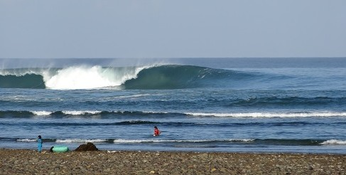 LEACKEY PIPE SUMBAWA WAVE SURF