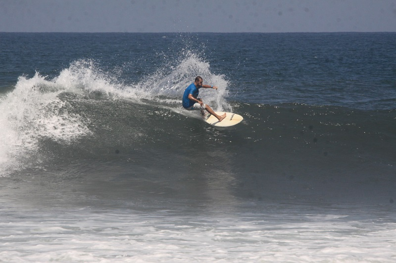 Bali Medewi surf