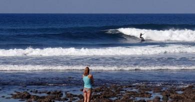 Canaries Fuerteventura surf hiero derecha bubble
